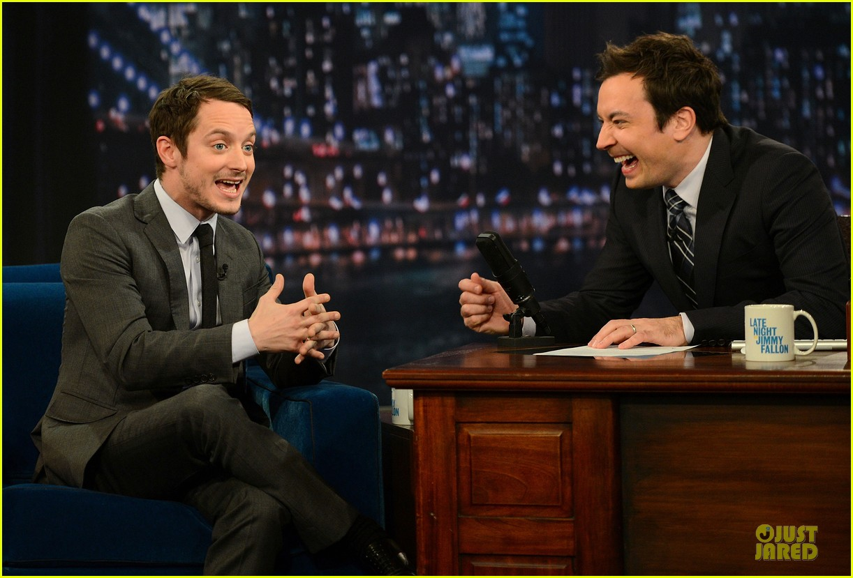 elijah wood late night with jimmy fallon appearance 08