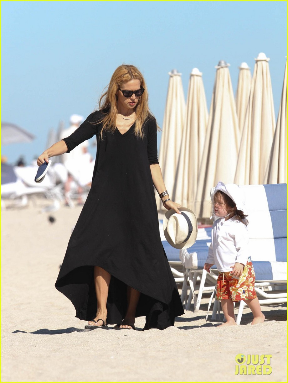 rachel zoe holiday beach vacation with the family 01