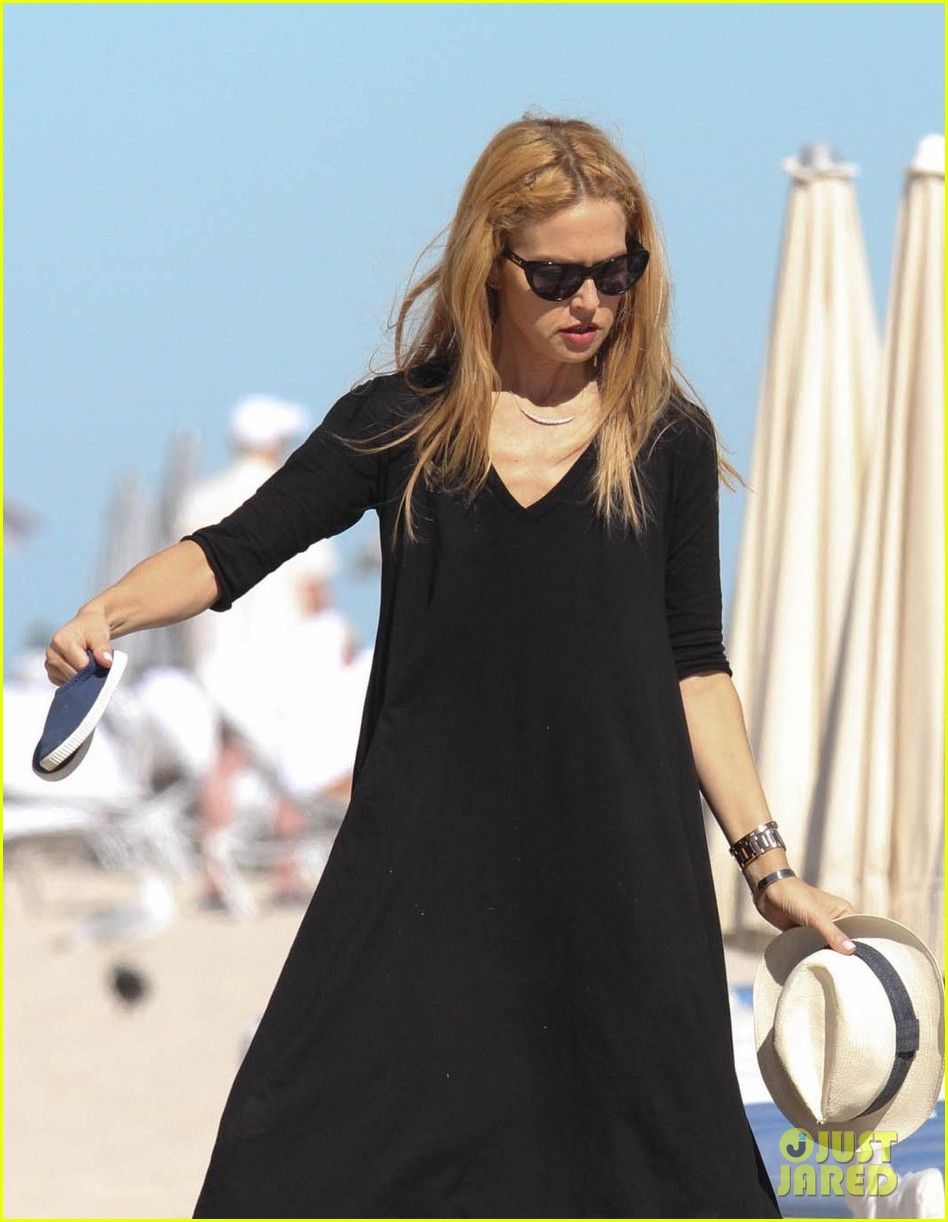 rachel zoe holiday beach vacation with the family 03