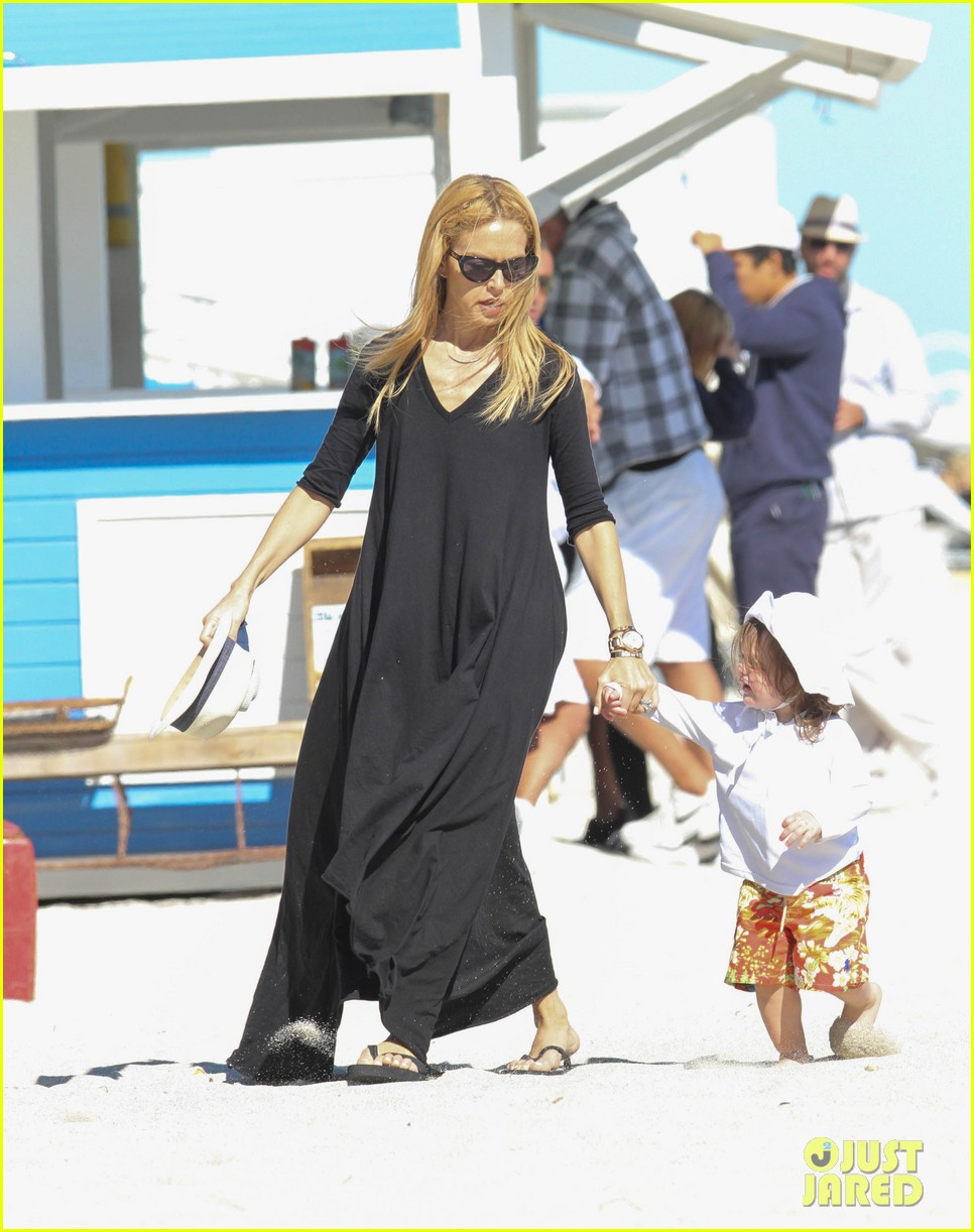rachel zoe holiday beach vacation with the family 07