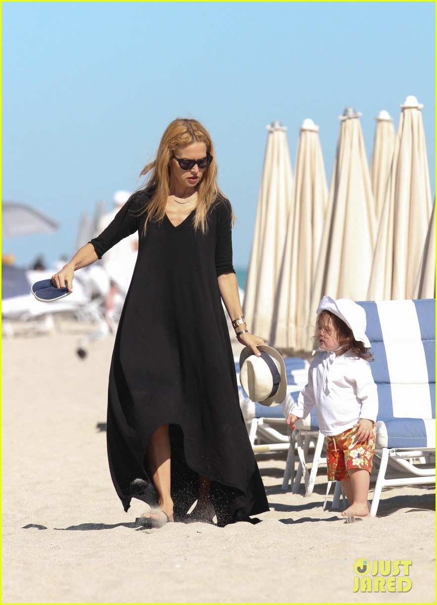 rachel zoe holiday beach vacation with the family 10