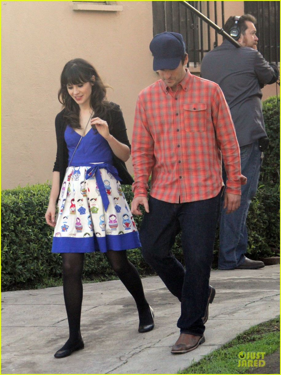 zooey deschanel new girl set with jake johnson 012769534