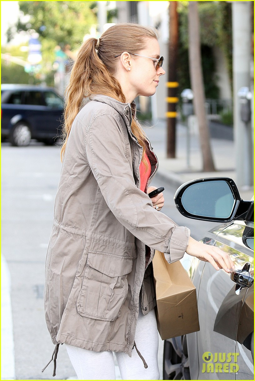 amy adams busy day in west hollywood 16