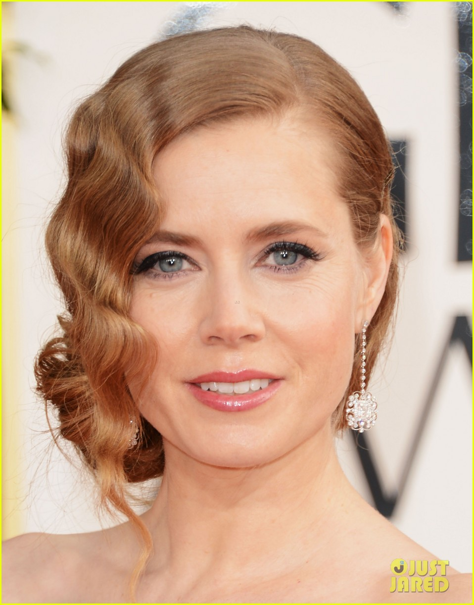 amy adams golden globes 2013 red carpet 05
