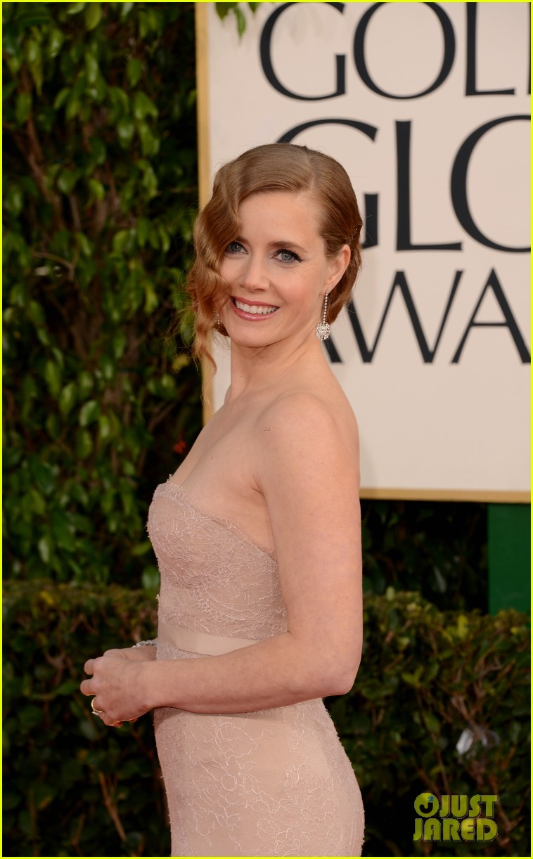 amy adams golden globes 2013 red carpet 09