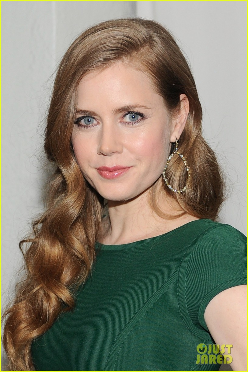 amy adams eddie redmayne w magazine pre golden globes party 02