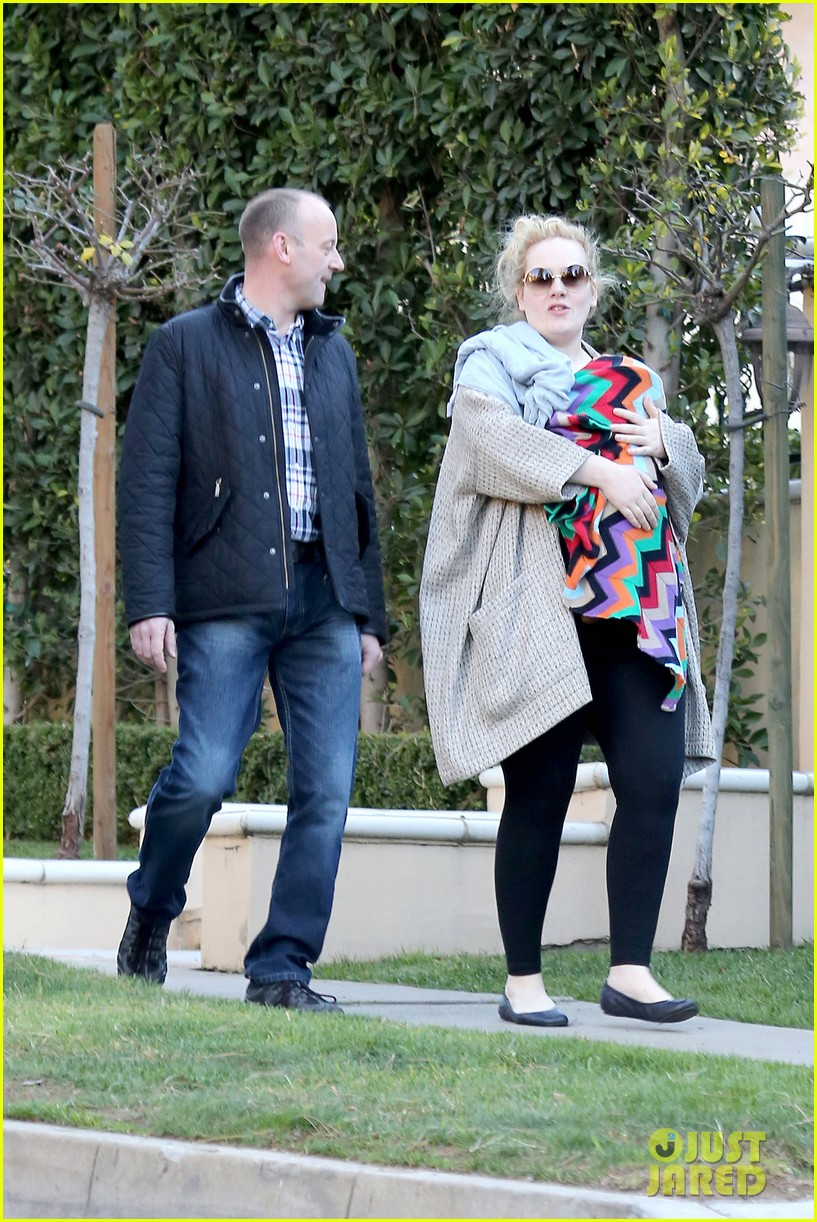 adele beverly hills stroll with baby boy 02