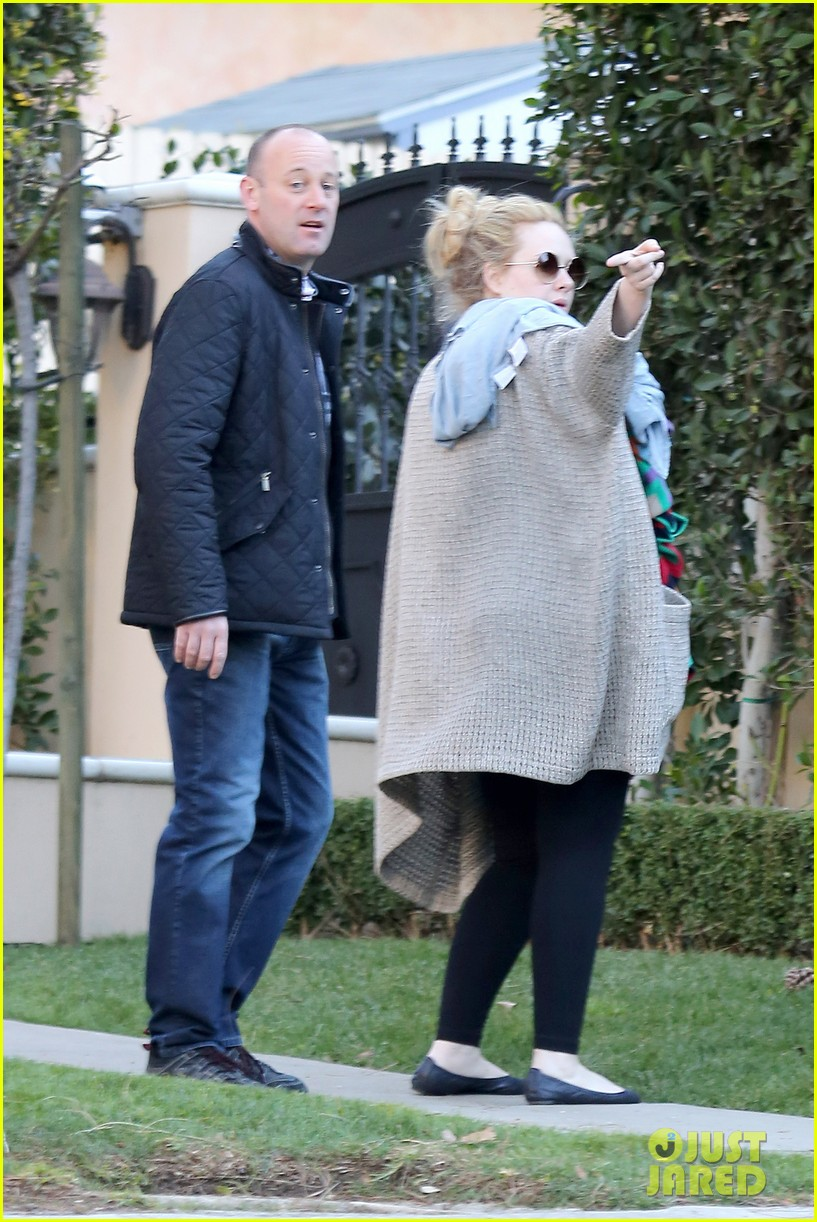 adele beverly hills stroll with baby boy 03