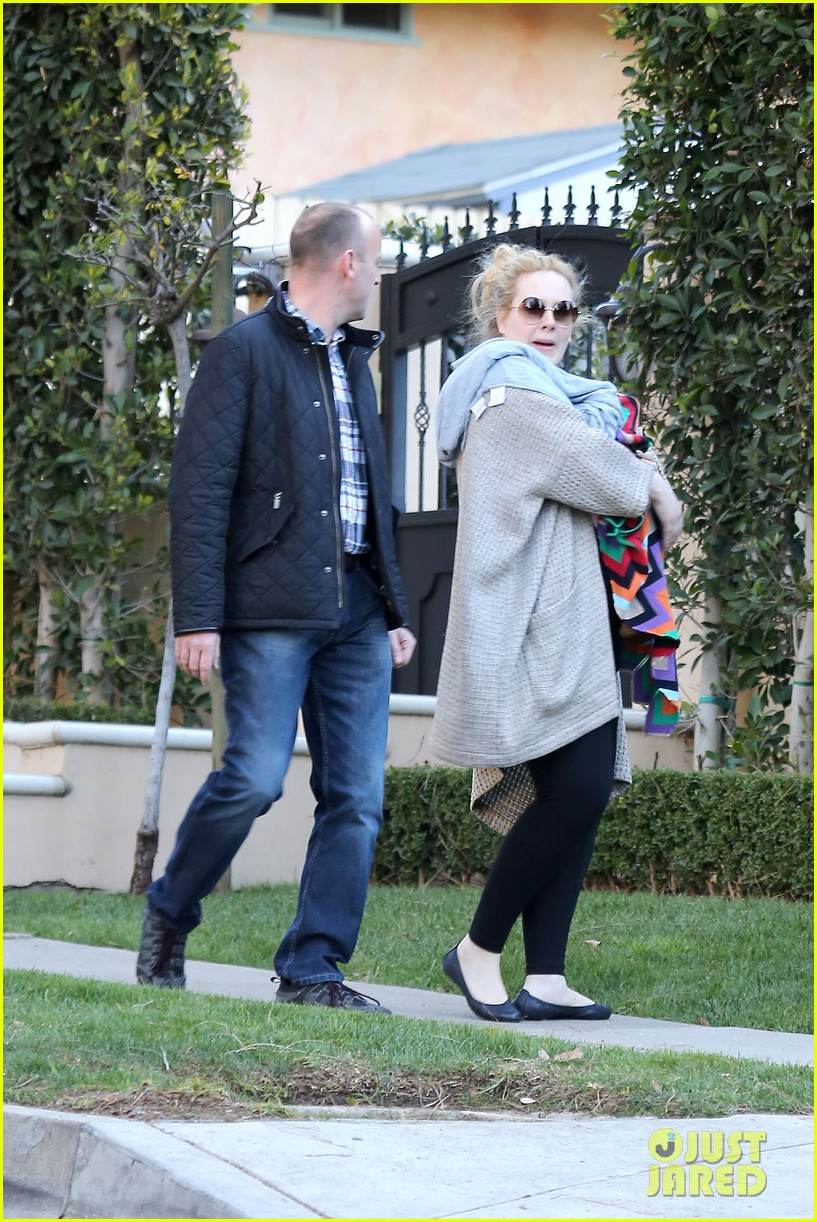 adele beverly hills stroll with baby boy 08