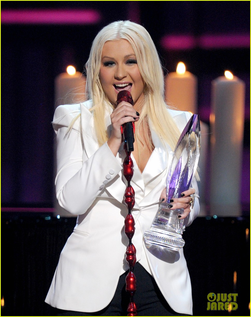 christina aguilera peoples choice 2013 01