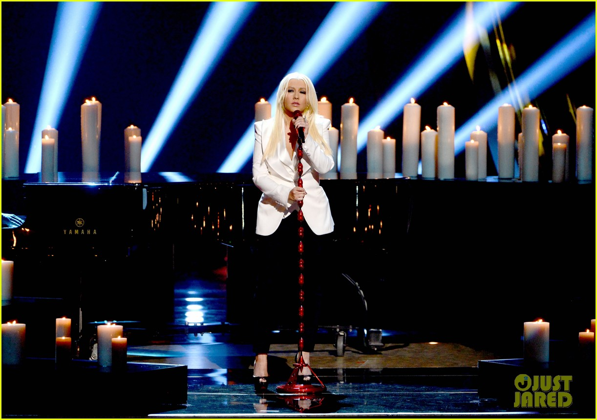 christina aguilera peoples choice 2013 03