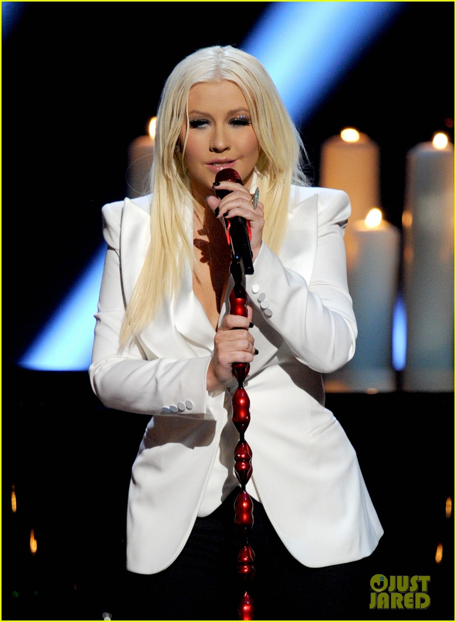 christina aguilera peoples choice 2013 07