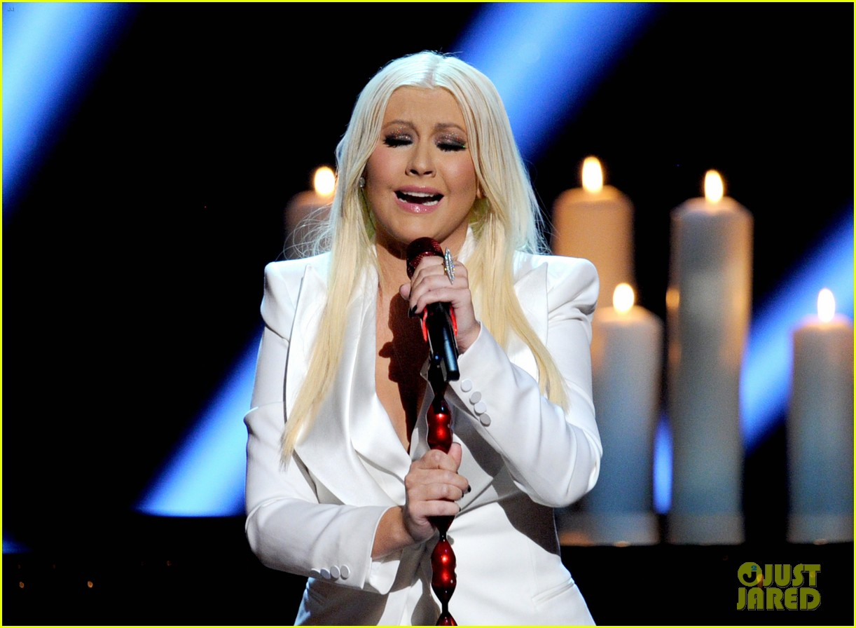 christina aguilera peoples choice 2013 13