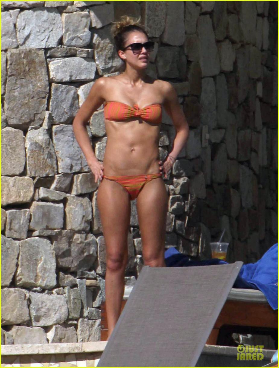 jessica alba bikini vacation in cabo san lucas 29