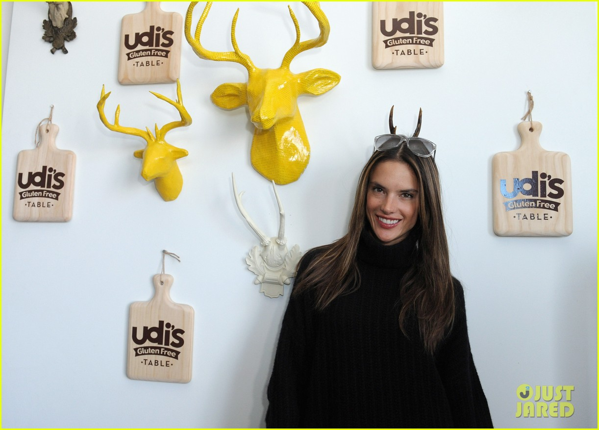 alessandra ambrosio brentwood country mart noah 12