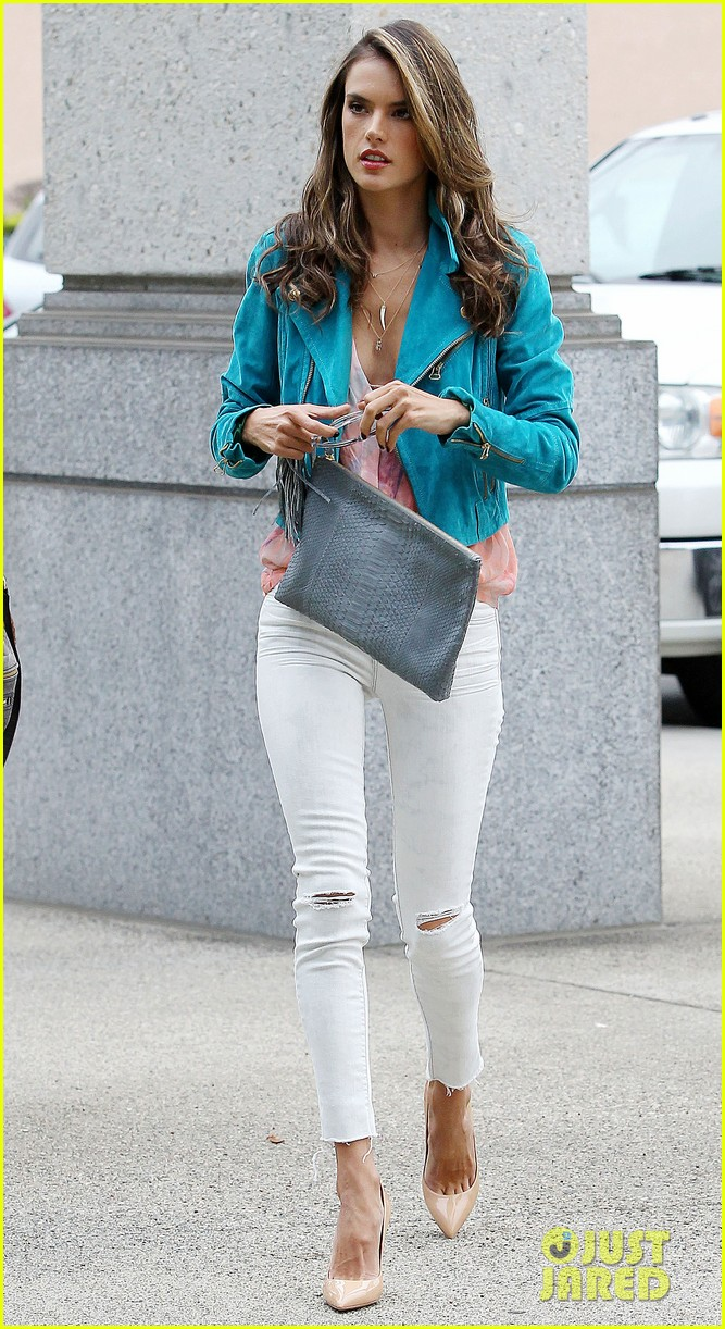 alessandra ambrosio brentwood country mart noah 13