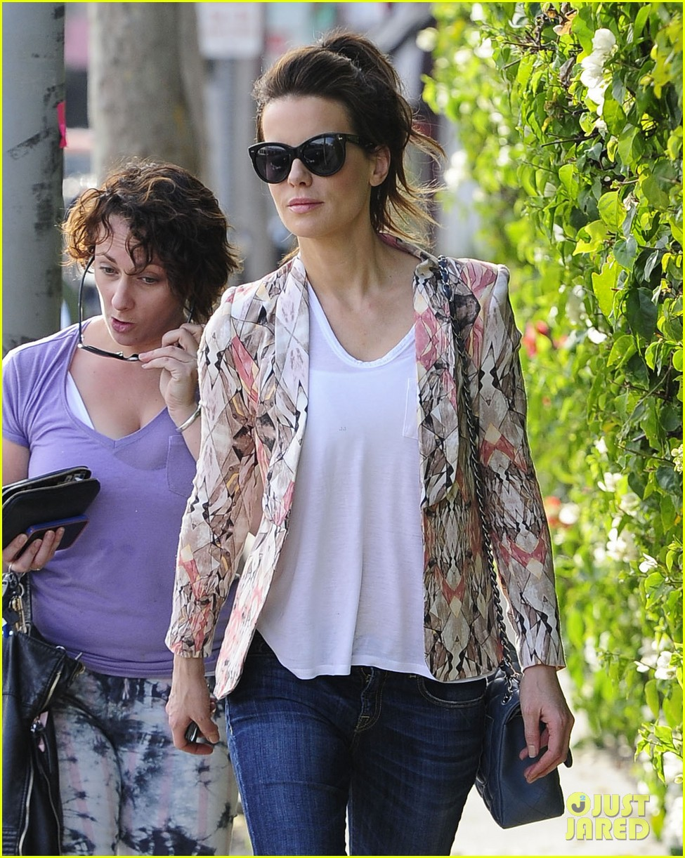 kate beckinsale melrose afternoon 09