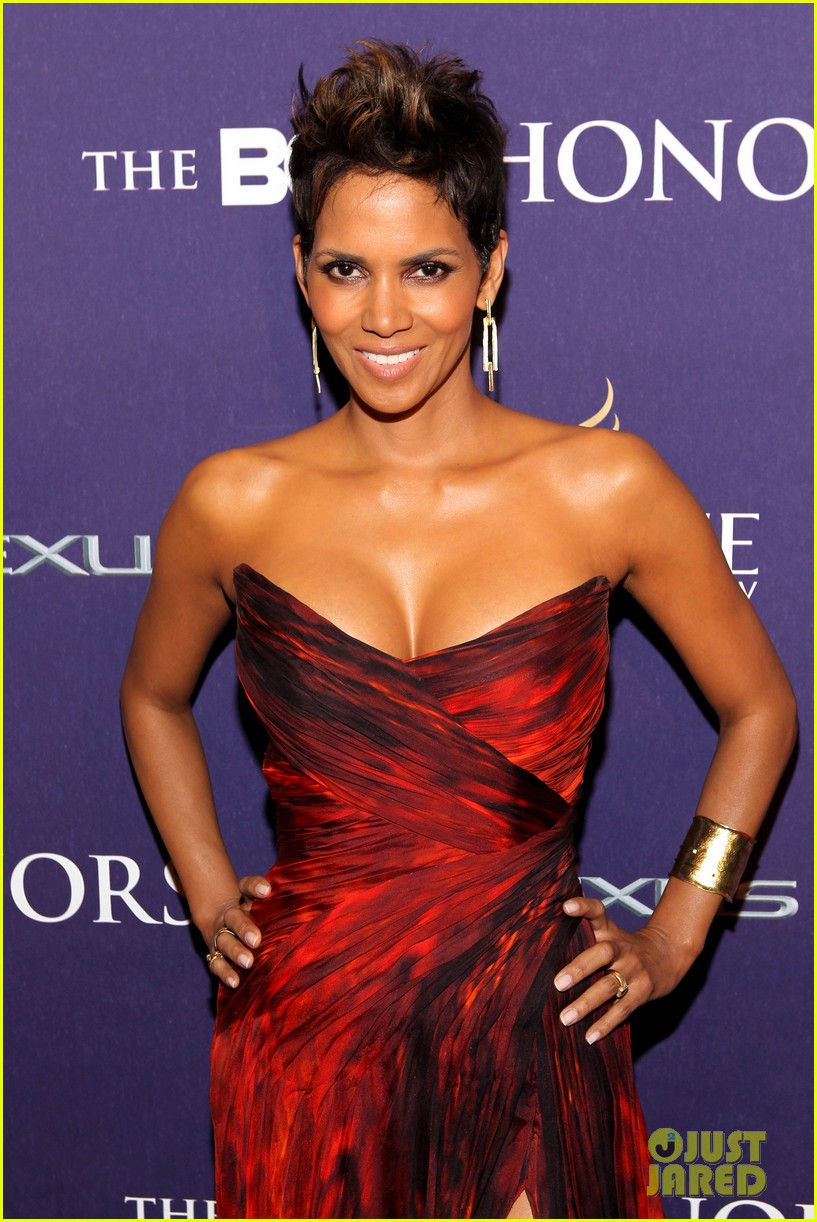 halle berry alicia keys bet honors 2013 red carpet 022790021