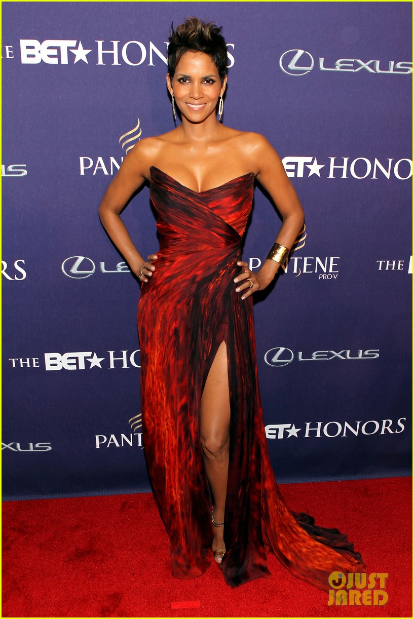 halle berry alicia keys bet honors 2013 red carpet 172790036