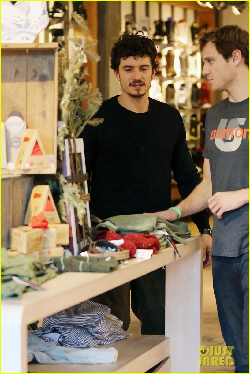 orlando bloom burton snowboard shopper 03