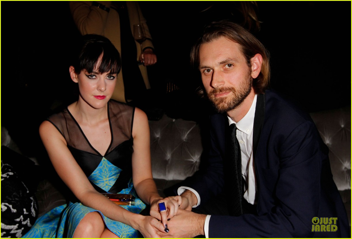 matt bomer & jena malone w magazine pre golden globes party 02