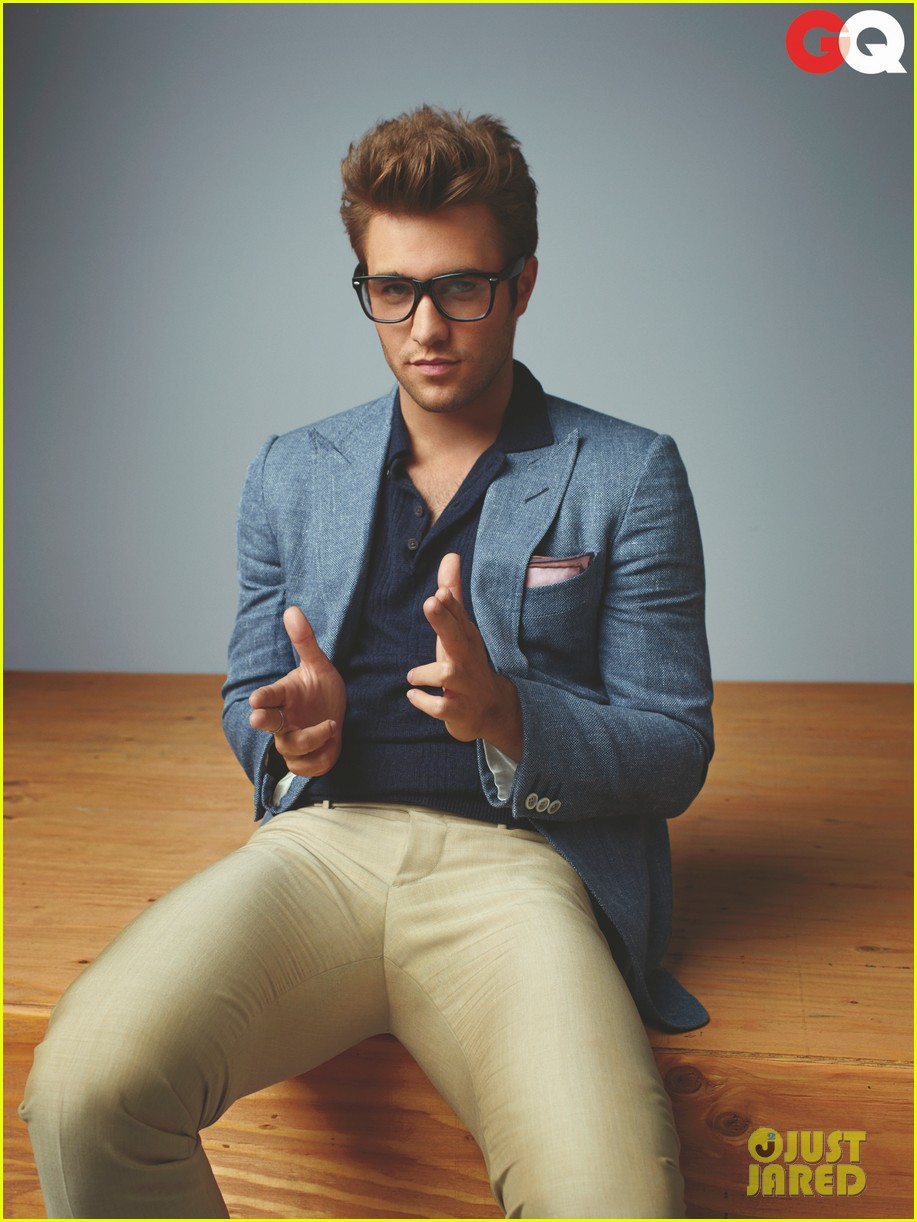 josh bowman gq tv rising stars fashion spread 012786458