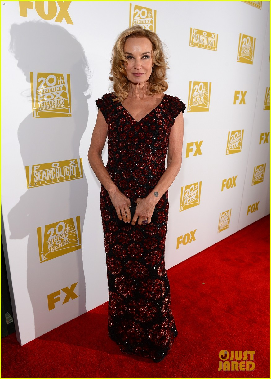 connie britton jessica lange golden globes 2013 red carpet 04