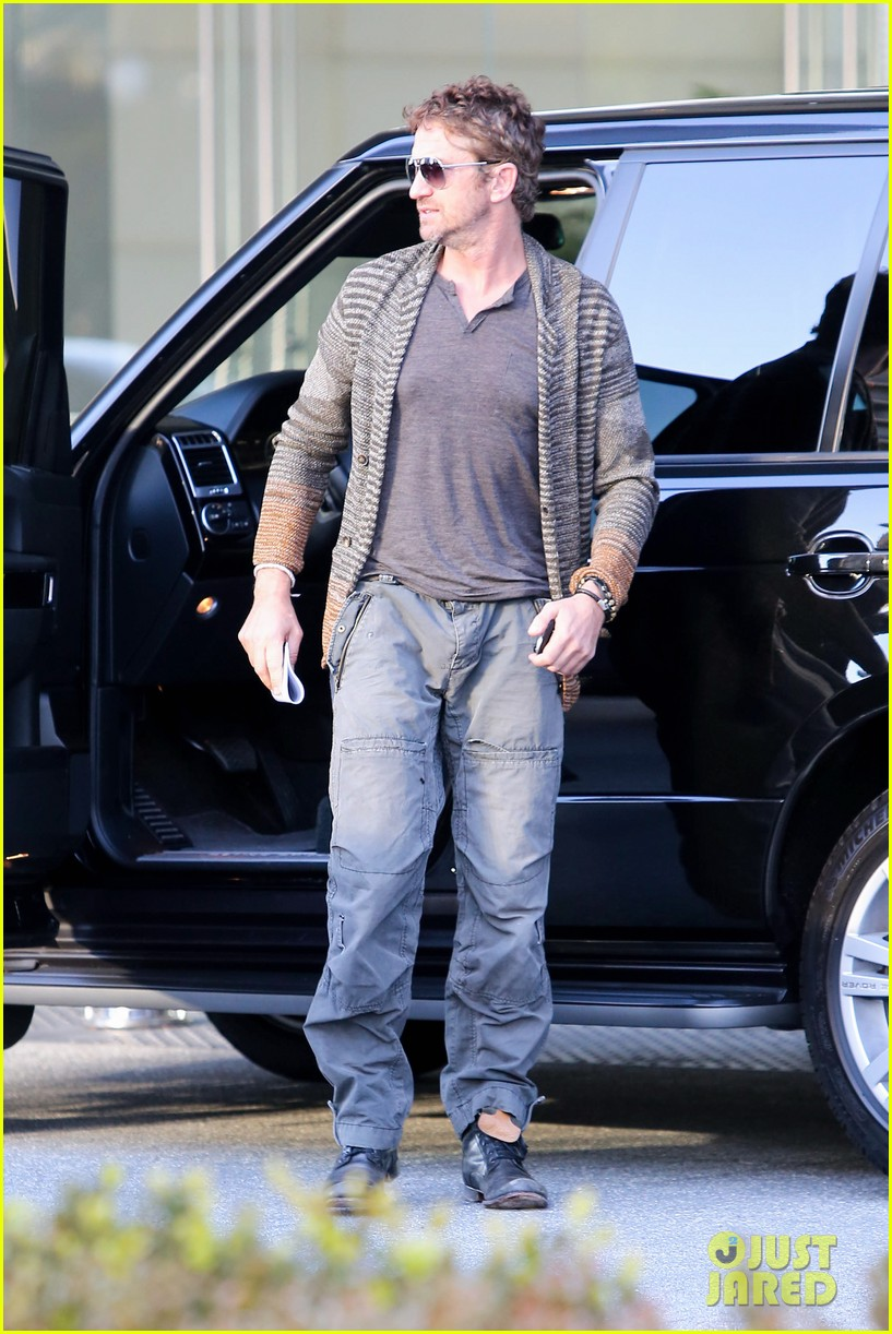 gerard butler beverly hills meeting man 10
