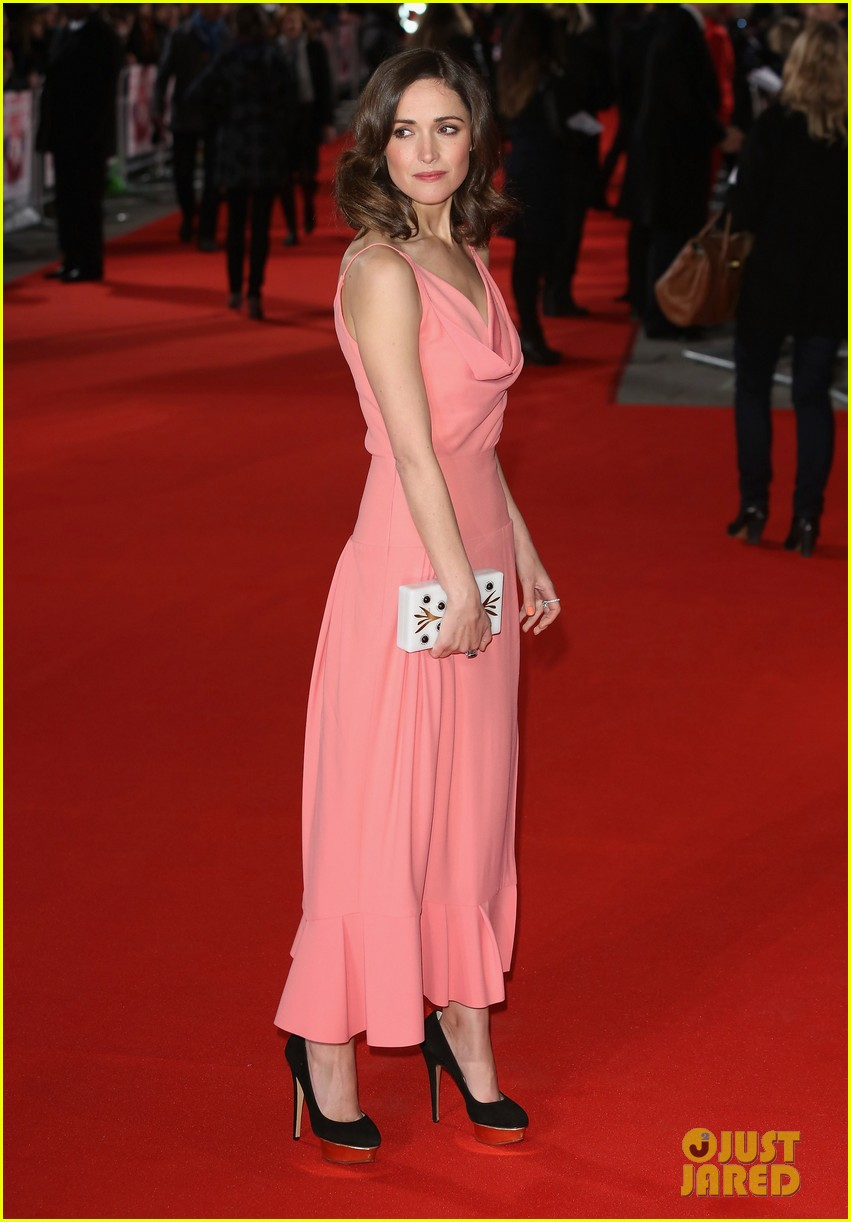 rose byrne i give it a year european premiere 01