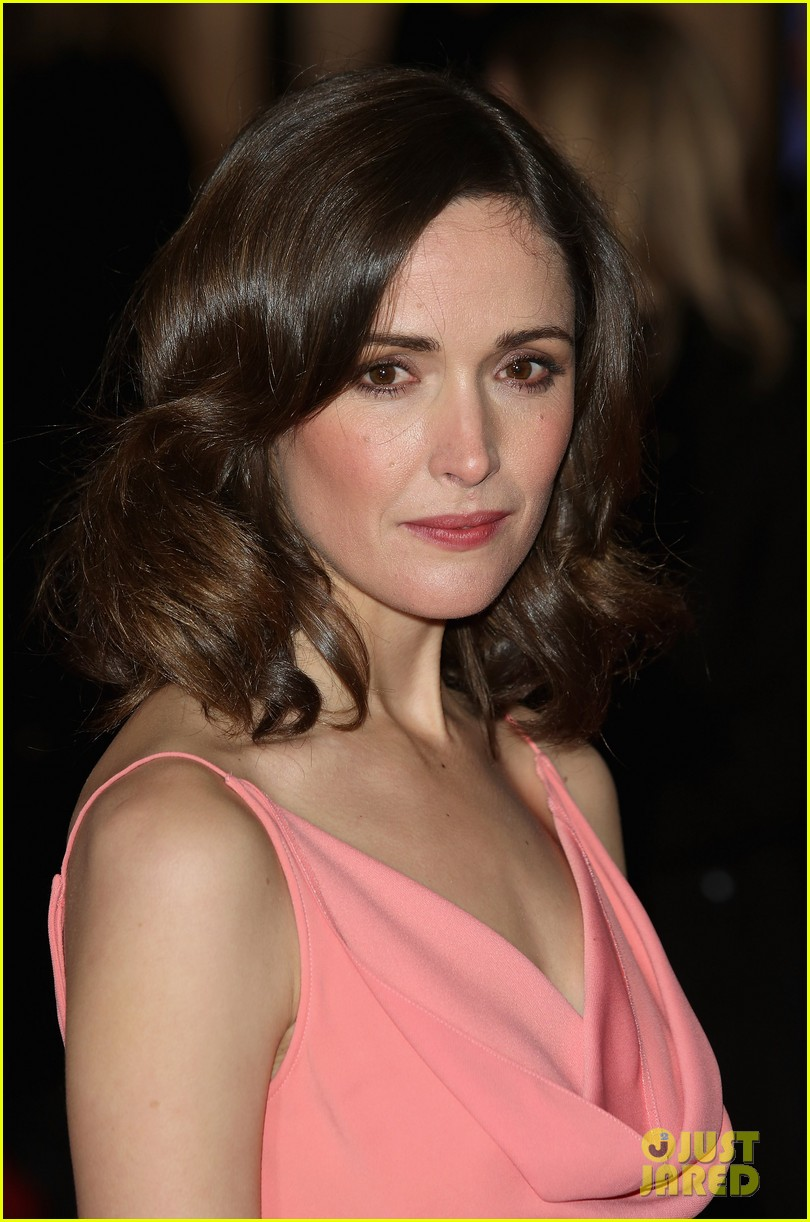 rose byrne i give it a year european premiere 13
