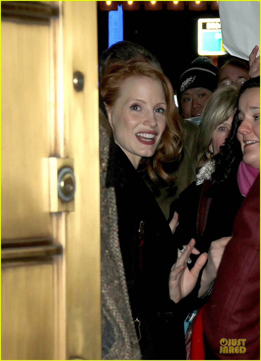 jessica chastain & dan stevens heiress autograph signing 04