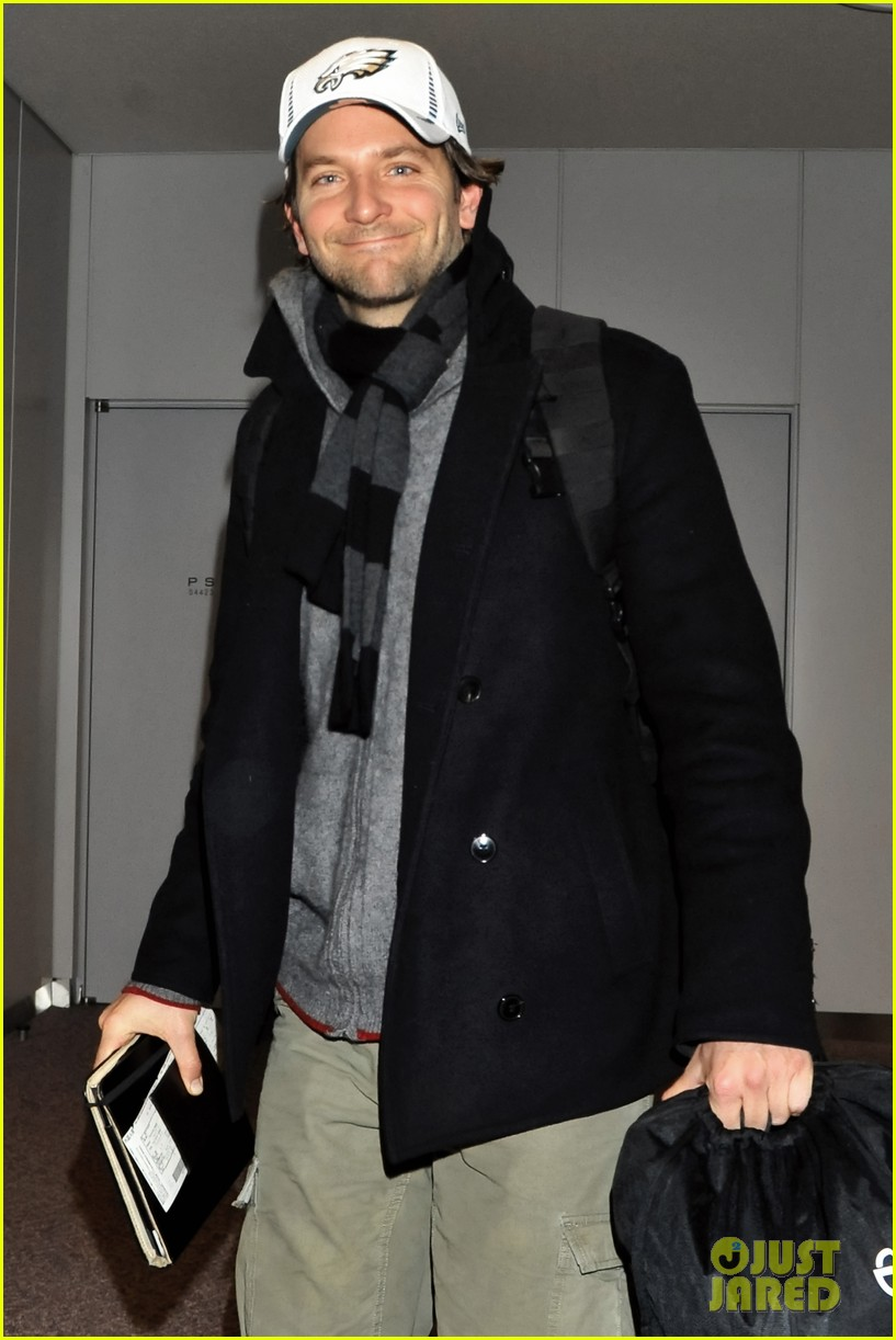 bradley cooper rome photo call japan jetsetter 15