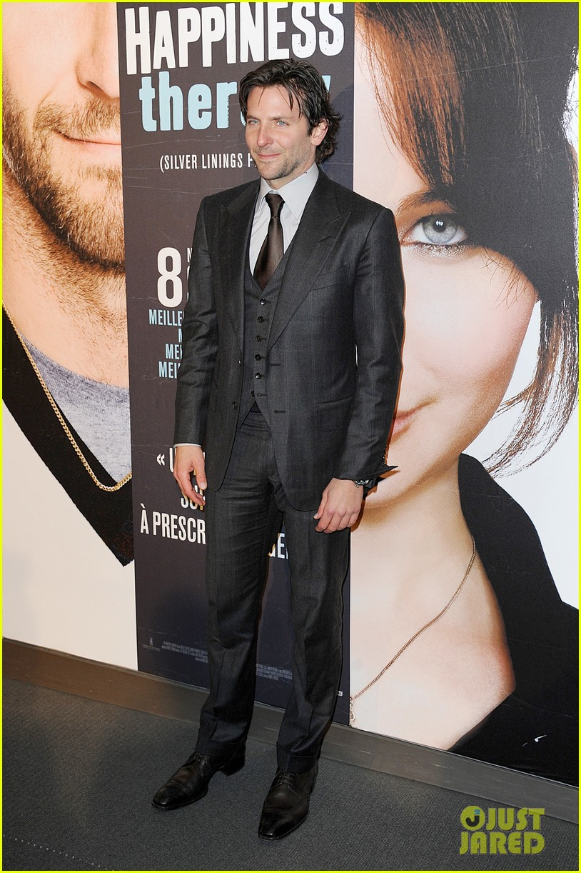 bradley cooper silver linings playbook paris premiere 01