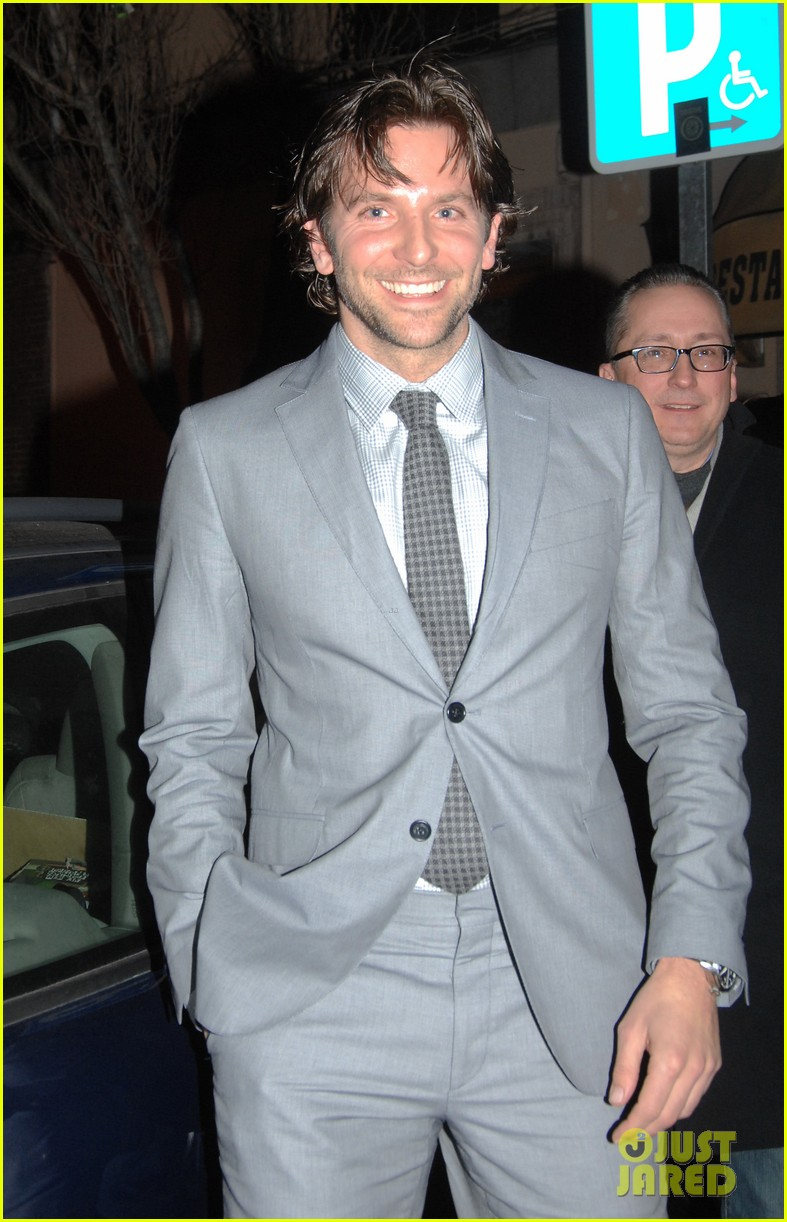 bradley cooper silver linings playbook paris premiere 04