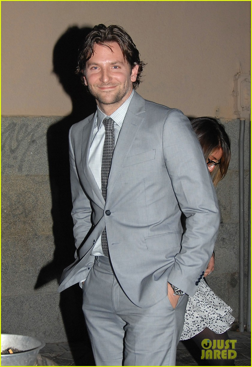bradley cooper silver linings playbook paris premiere 11