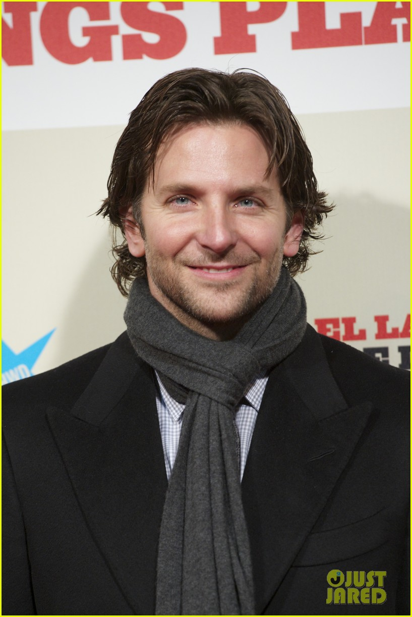 bradley cooper permed his hair for new david o russell film 102793294