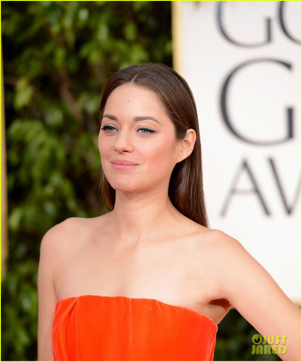 marion cotillard golden globes 2013 red carpet 02
