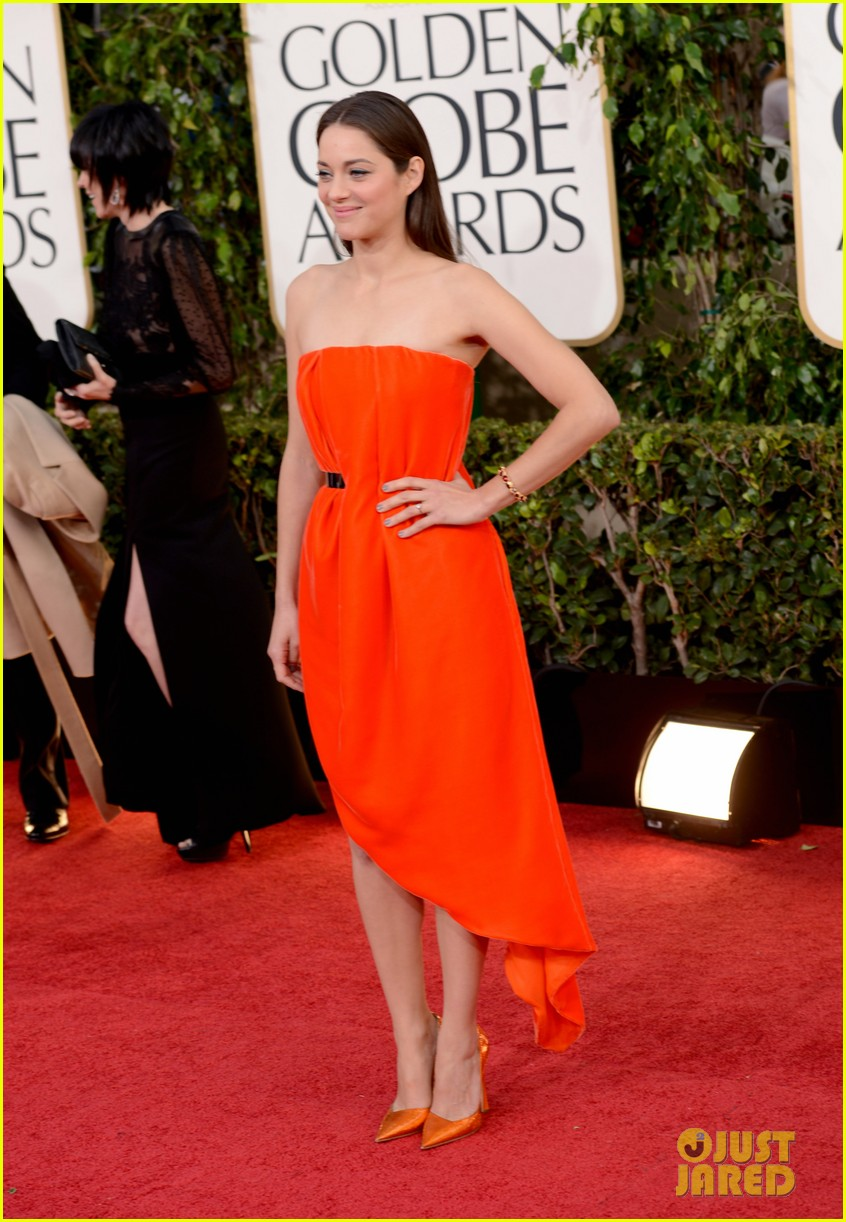 marion cotillard golden globes 2013 red carpet 05
