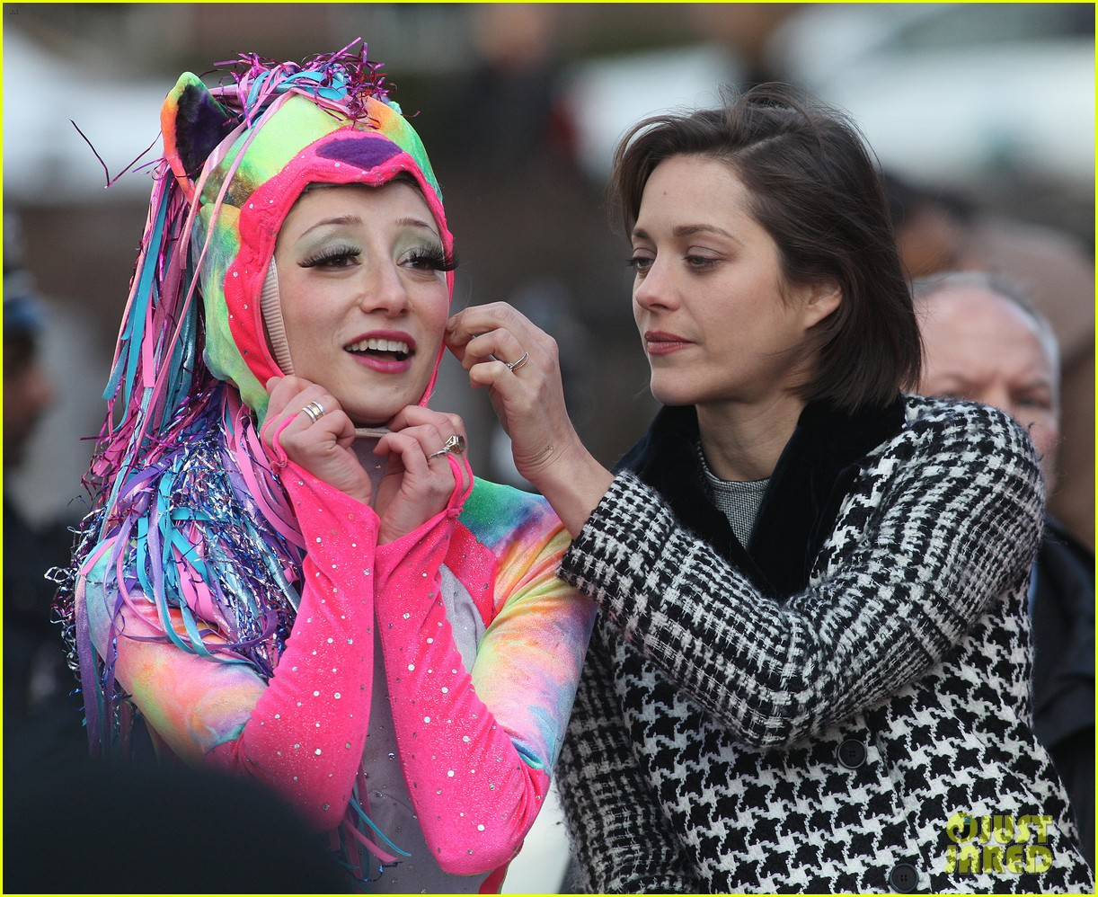 marion cotillard hasty pudding woman of the year 2013 10