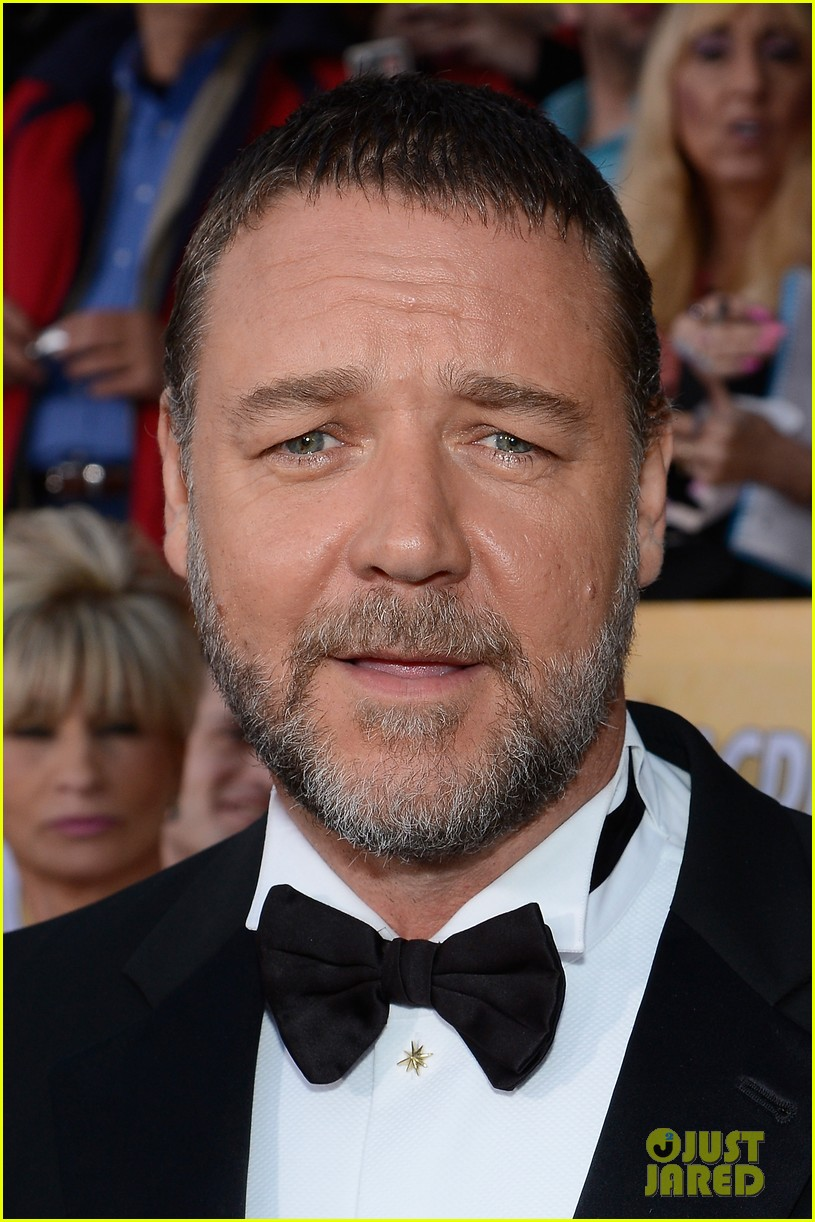 russell crowe sacha baron cohen sag awards 2013 02