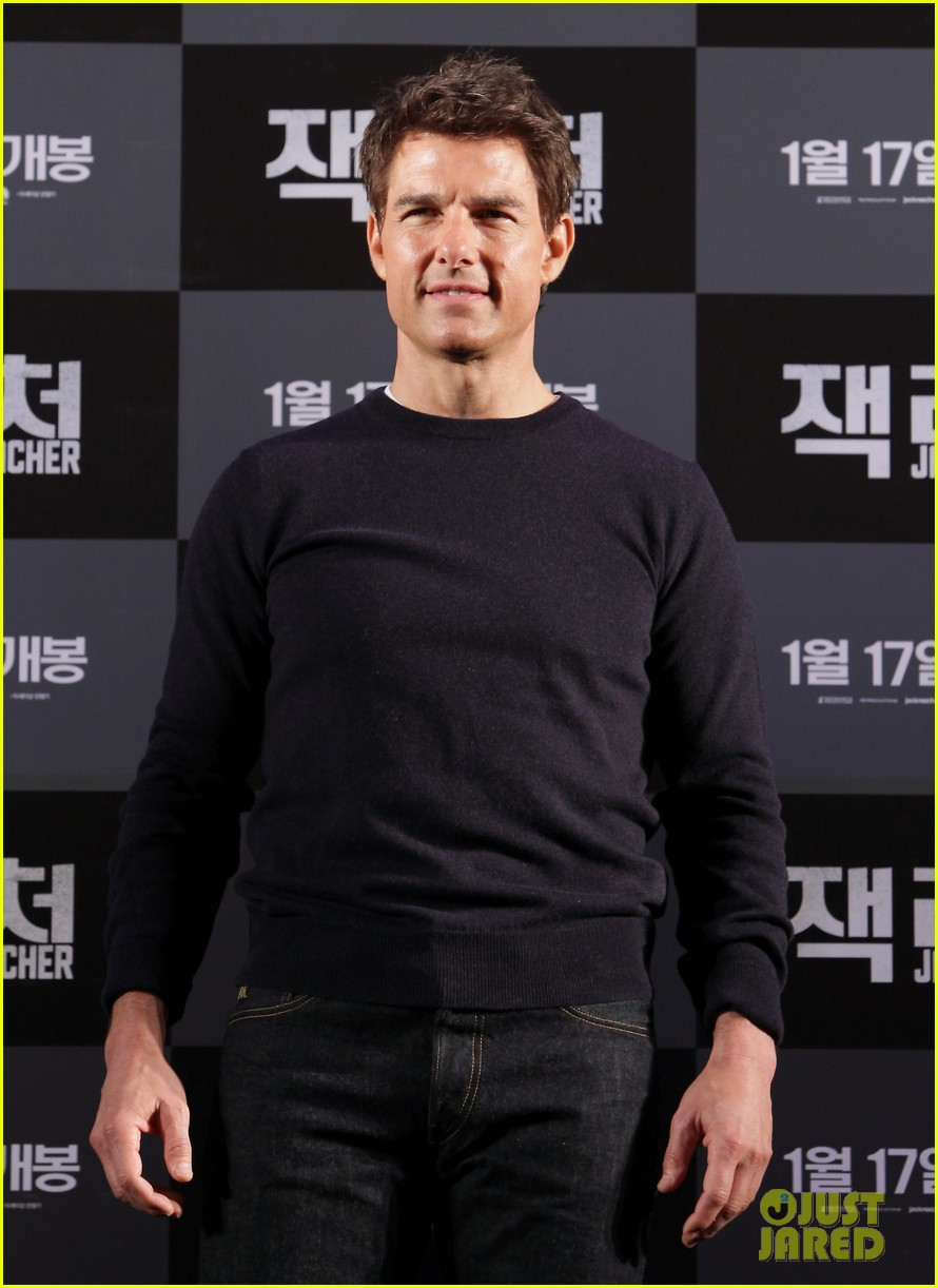 tom cruise rosamund pike jack reacher seoul photo call 04