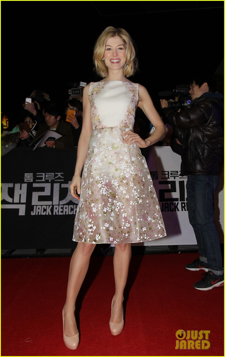 tom cruise rosamund pike jack reacher seoul screening 012788595