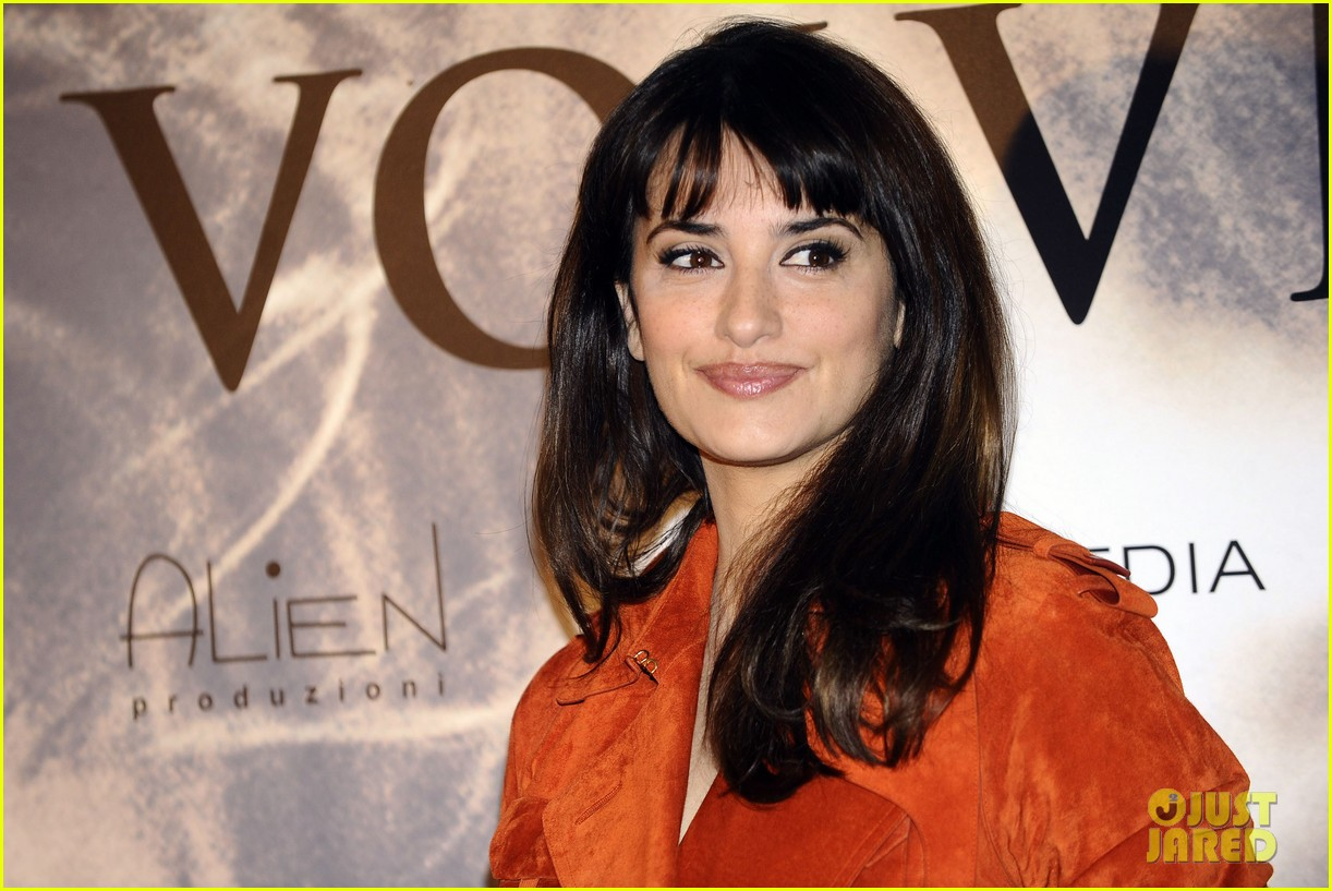 penelope cruz twice born madrid photo call 12