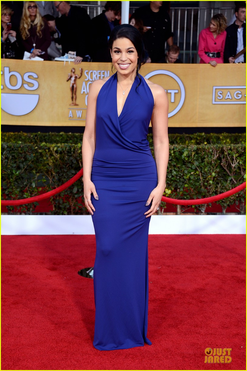 kaley cuoco jordin sparks sag awards 2013 red carpet 09