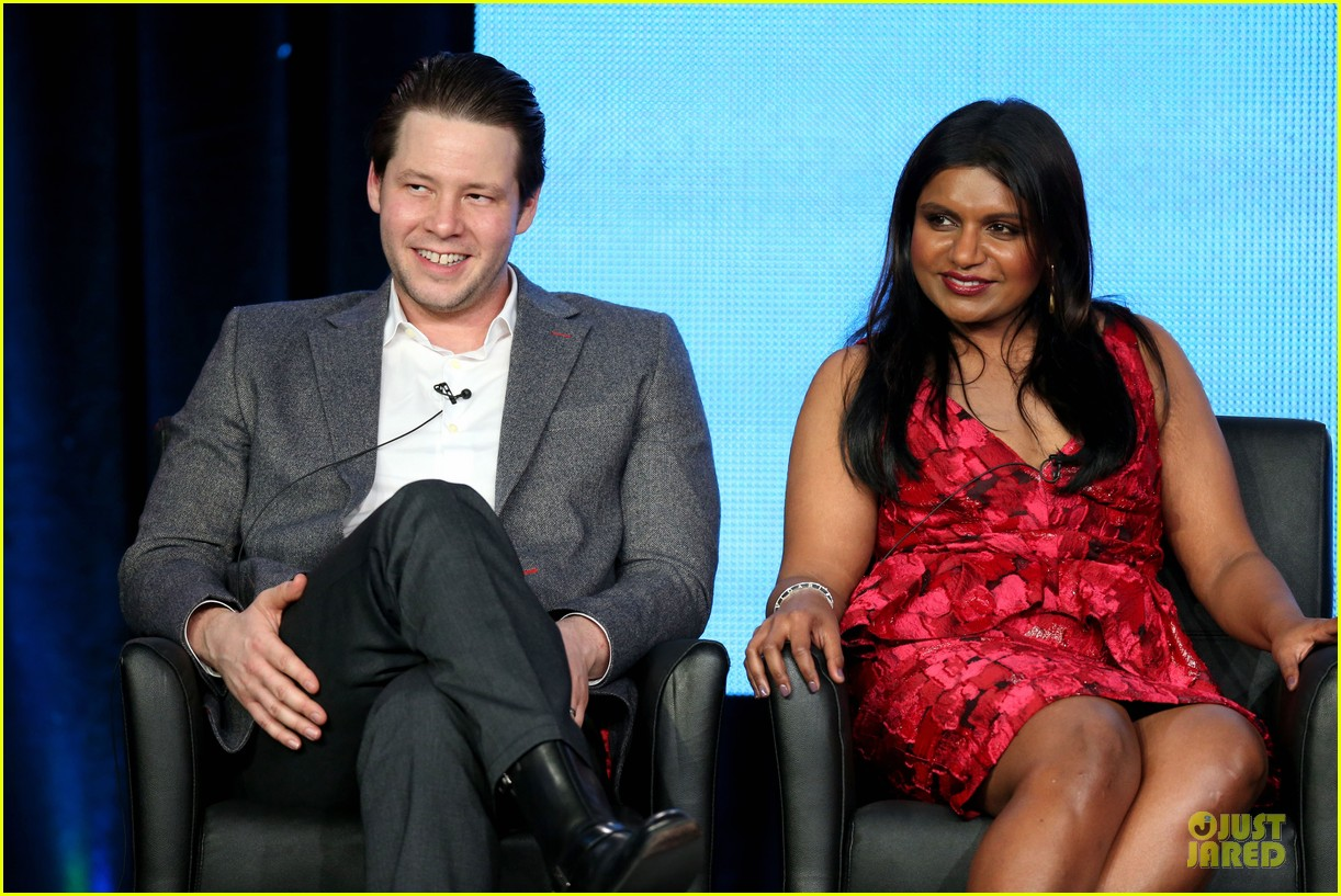 zooey deschane & mindy kaling new girl & mindy project panel 192787106
