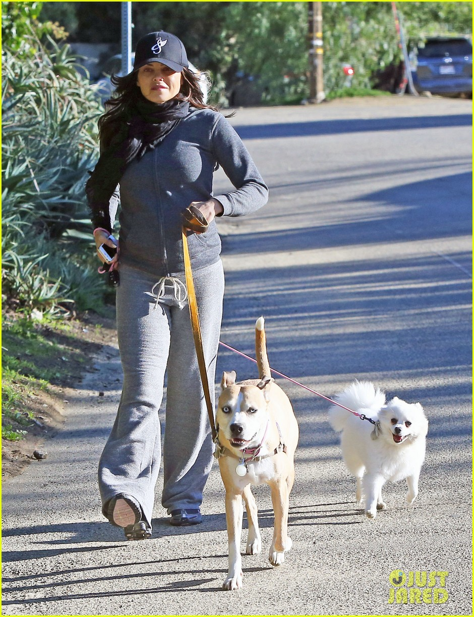jenna dewan shows off growing baby bump on dog walk 032789748