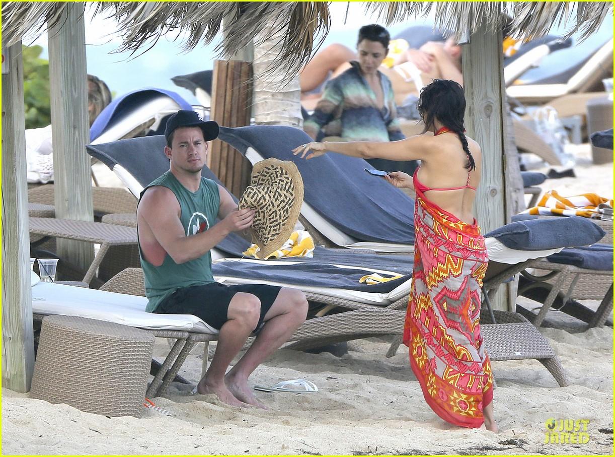 pregnant jenna dewan & channing tatum st barts kissing pair 12
