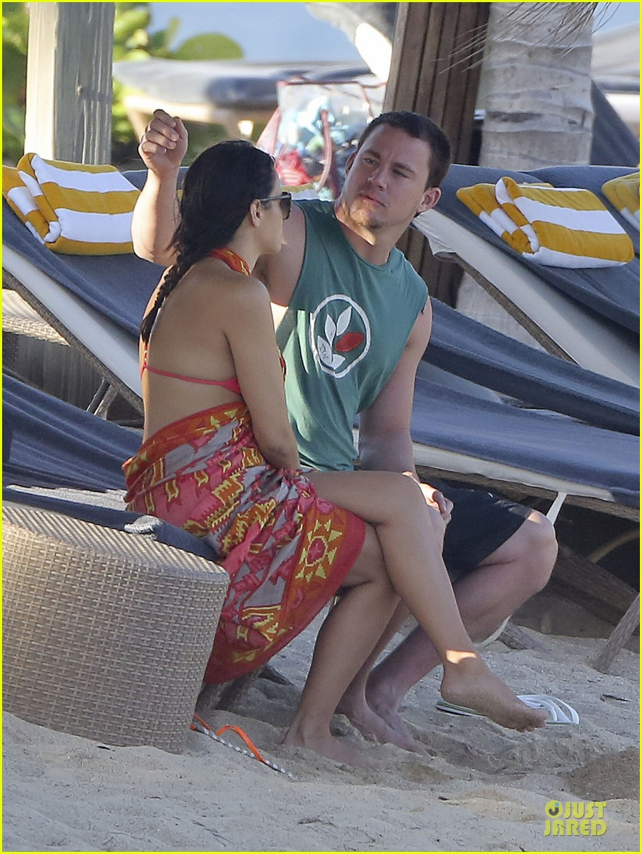 pregnant jenna dewan & channing tatum st barts kissing pair 39