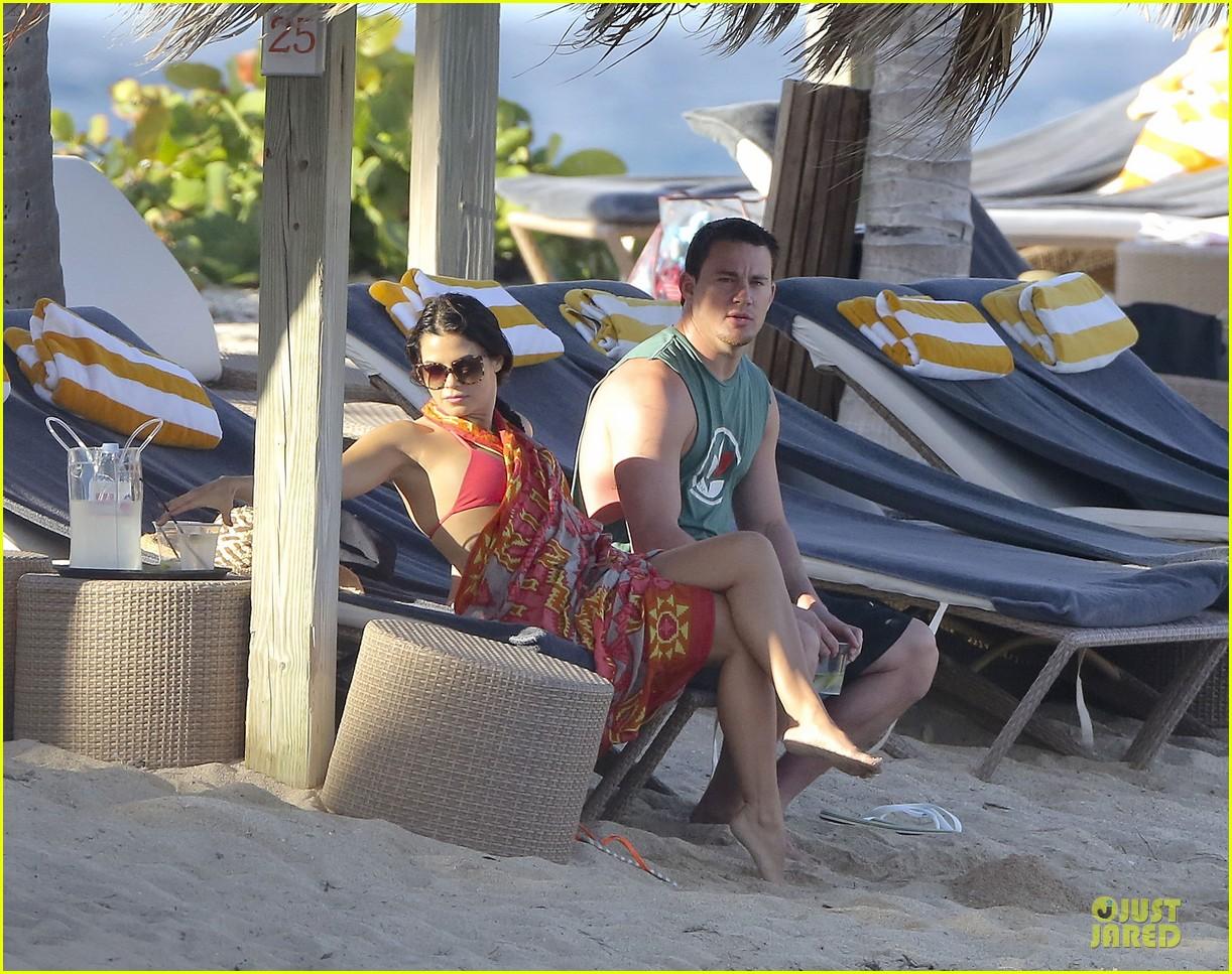 pregnant jenna dewan & channing tatum st barts kissing pair 40