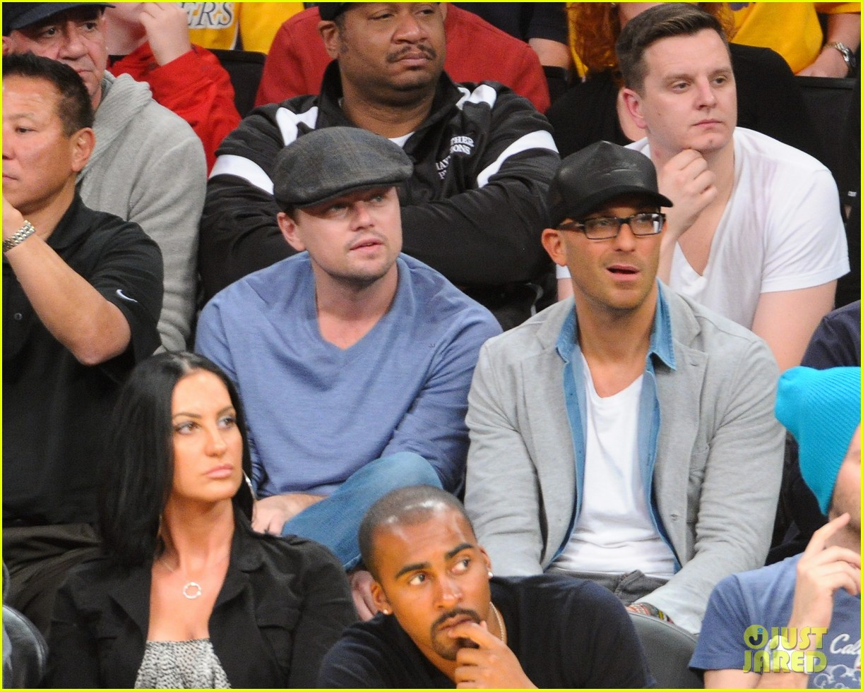 leonardo dicaprio lakers game night 02